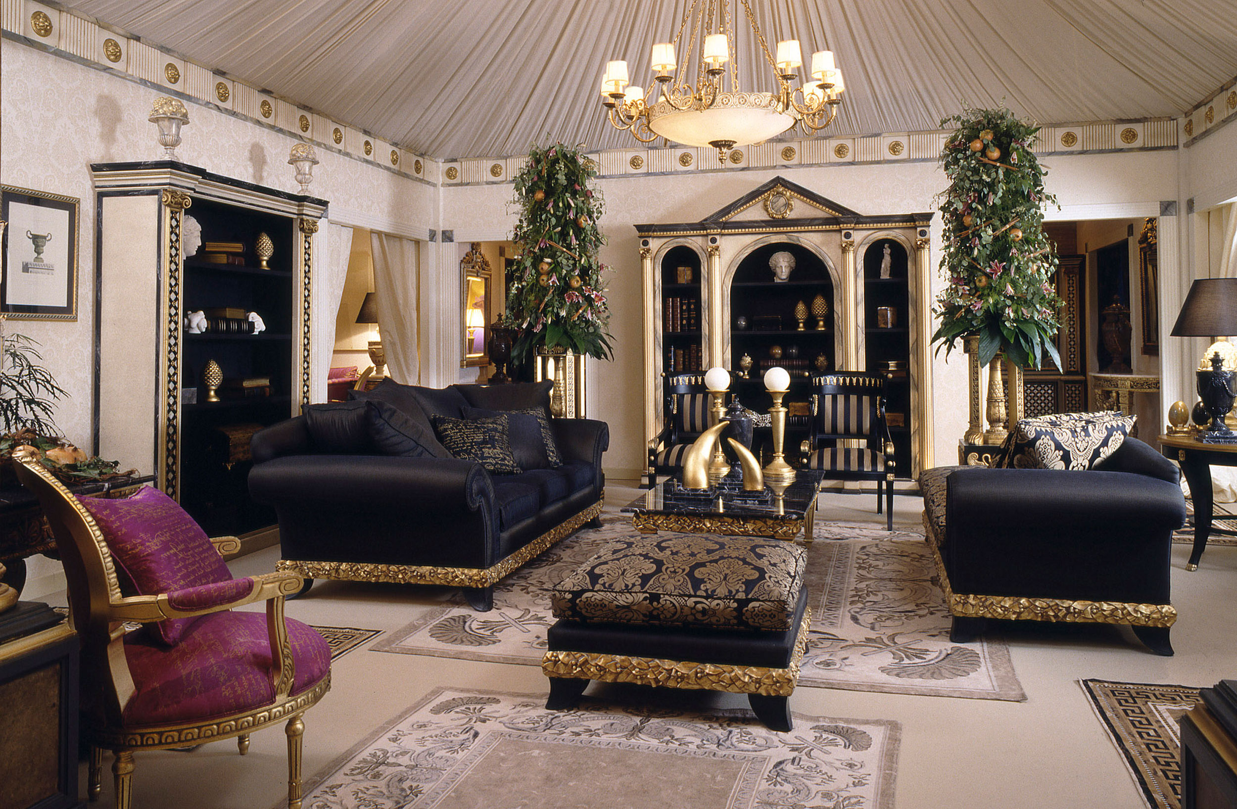 10 living rooms in classic 28 images classic living for Classic luxury homes
