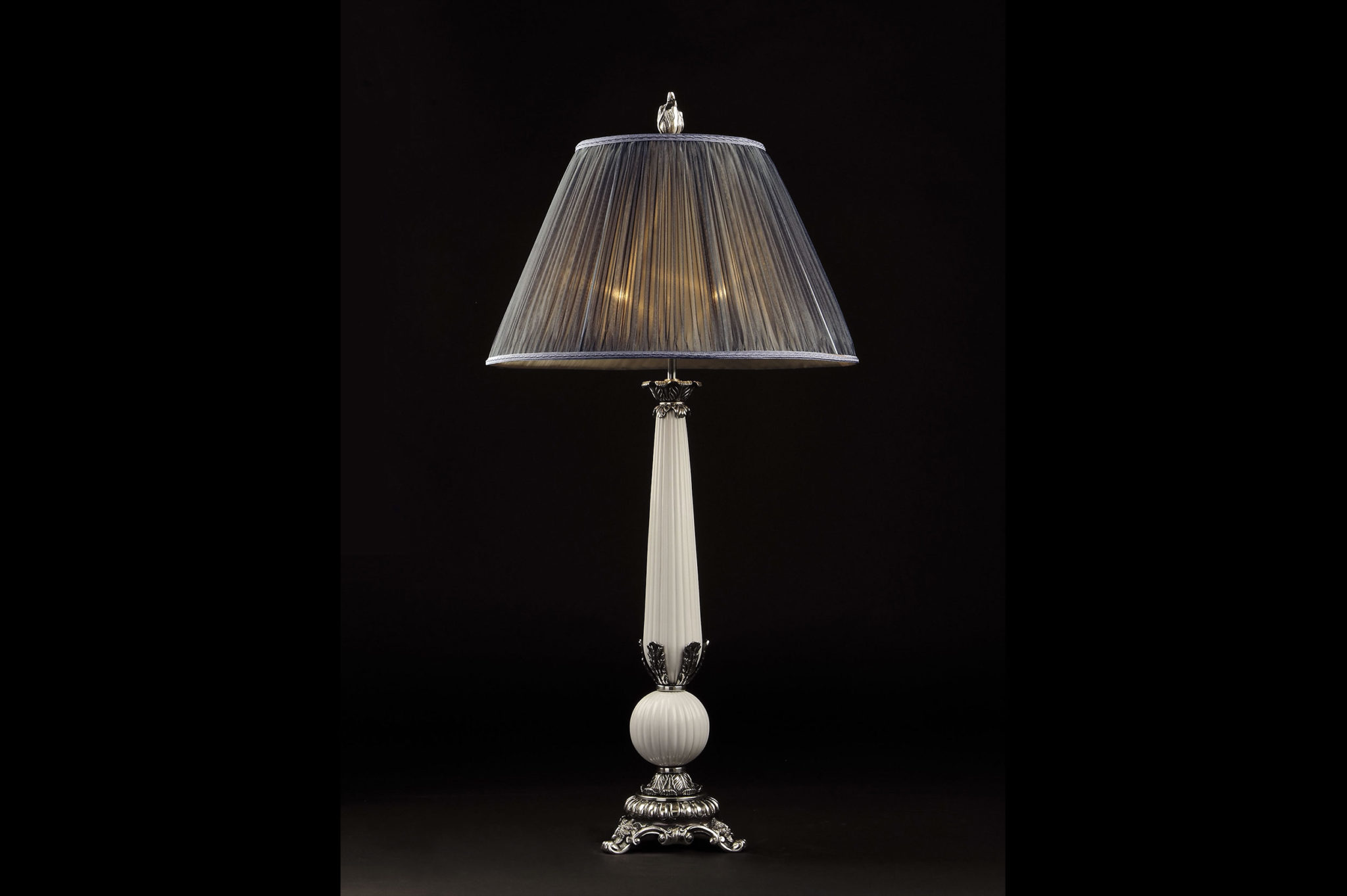 Classic table lamps luxury homes design for Classic home lighting